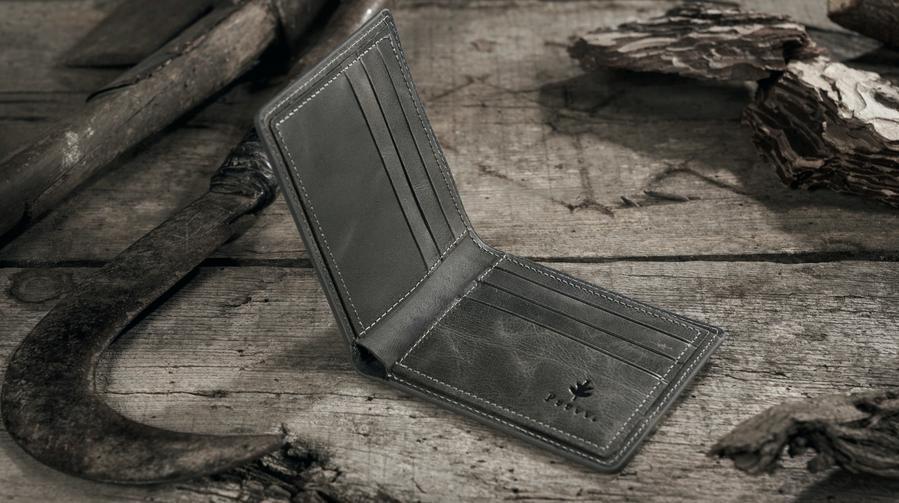 engraved wallets for men