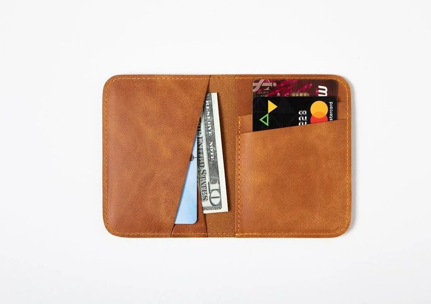Swiss Wallet Slim and Minimal Mens Leather Wallet Camel 2 850x600 - Swiss Wallet - Slim and Minimal Men's Leather Wallet